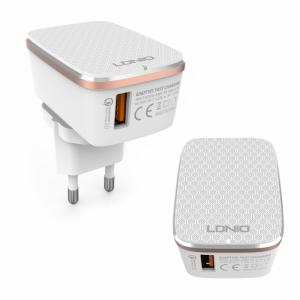 Kućni punjač LDNIO A1204Q Quick Charge 2.0 USB 5V 2.4A sa iPhone 6/6S kablom beli